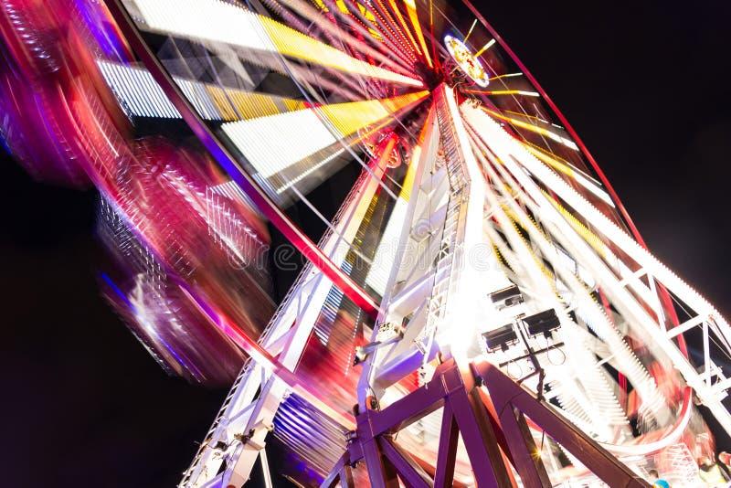 Parque de diversões. Roda fotografia de stock