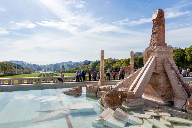 Parque de Eduardo VII Un monumento polémico a los 25 de Abril Revolution foto de archivo libre de regalías