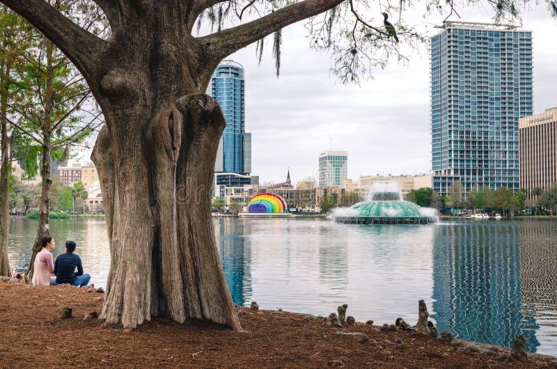Parque de Eola do lago em Orlando do centro fotos de stock