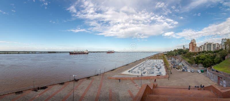 Parque de Espana Park alla passeggiata del fiume Parana - Rosario, Santa Fe, Argentina immagine stock libera da diritti