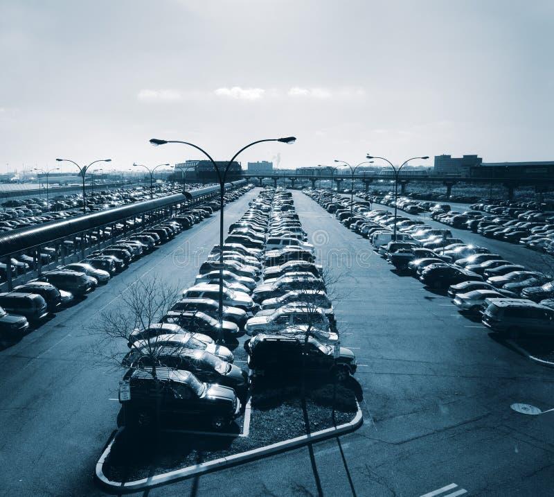 Parque de estacionamento no aeroporto foto de stock royalty free