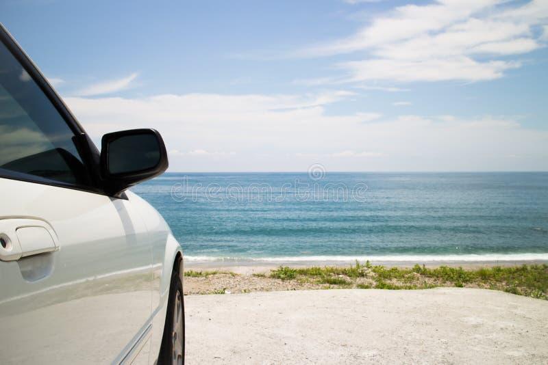 Parque de estacionamento no beira-mar fotografia de stock