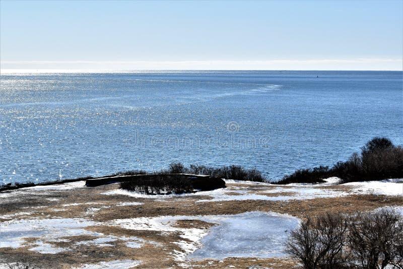 Parque de estado de dos luces y vista al mar circundante en el cabo Elizabeth, el condado de Cumberland, Maine, YO, Estados Unido fotografía de archivo