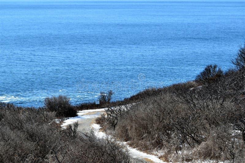 Parque de estado de dos luces y vista al mar circundante en el cabo Elizabeth, el condado de Cumberland, Maine, YO, Estados Unido foto de archivo