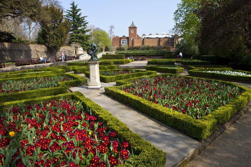 Parque de Holanda en Londres fotos de archivo