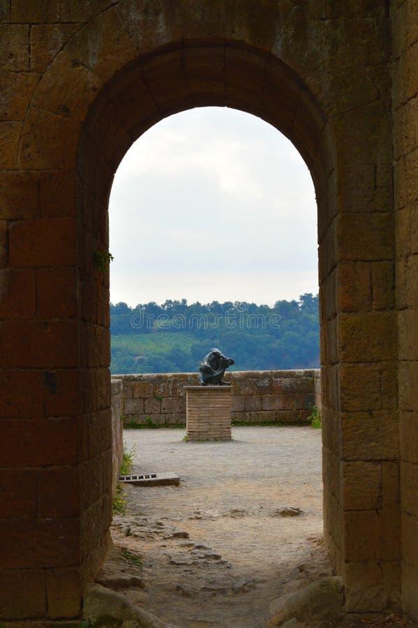 Parque de Itaian debajo de un arco foto de archivo