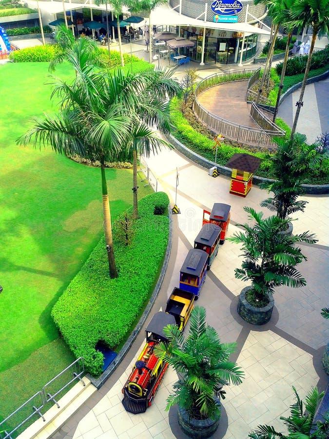 Parque de la alameda de la magnolia de Robinson en Ciudad Quezon, Manila, Filipinas en Asia fotos de archivo libres de regalías