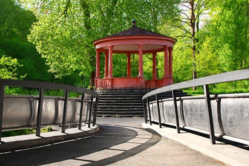 Download Parque de la ciudad foto de archivo. Imagen de color - 44853676