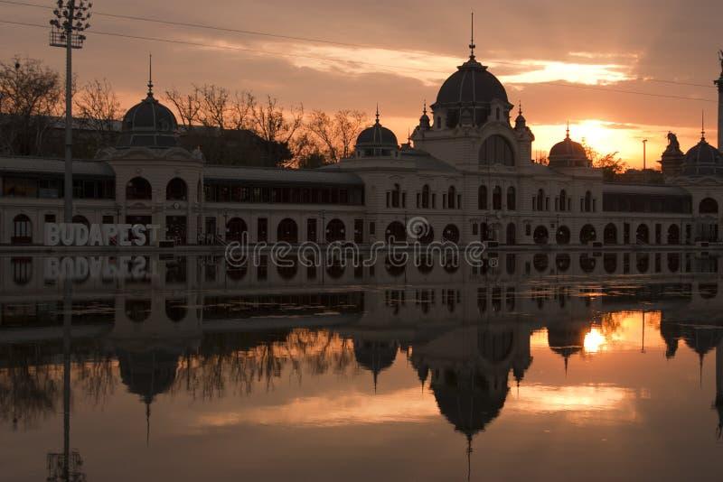 Parque de la ciudad de Budapest de la pista de hielo imagenes de archivo