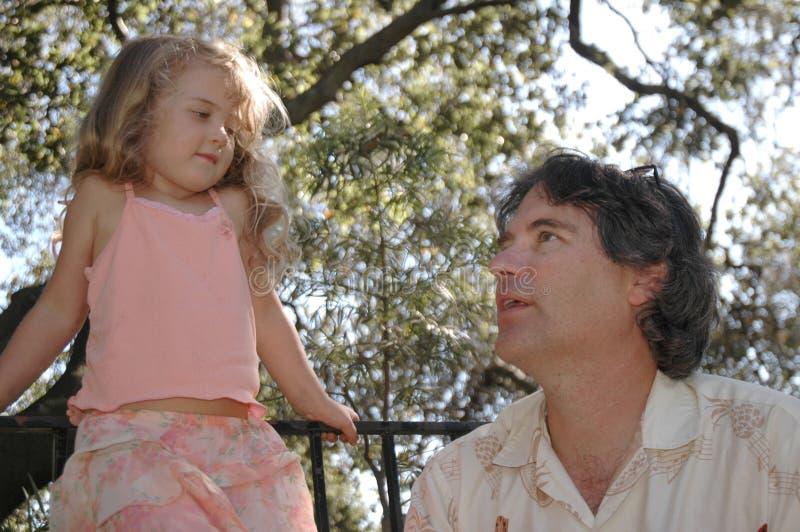 Parque de la hija del padre foto de archivo libre de regalías