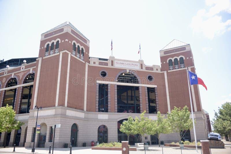 Parque de la vida del globo en Arlington, Texas Rangers Stadium fotos de archivo libres de regalías