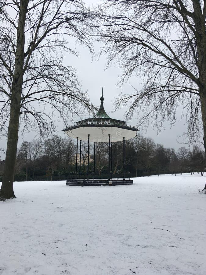 Parque de Regent's del estrado de la orquesta imagenes de archivo