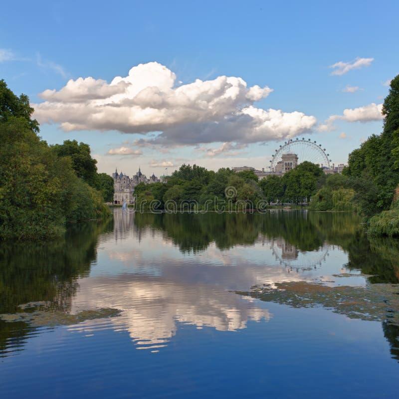 Parque de San Jaime, Londres, Reino Unido imagenes de archivo