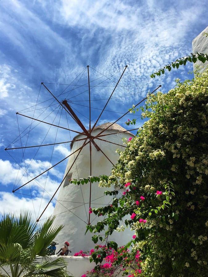 Parque de Santorini, parques tem?ticos y parques de atracciones griegos interesantes en Tailandia La rueda de ferris colorida imagen de archivo libre de regalías