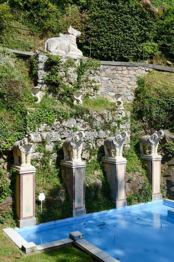 Parque de Scherrer en Morcote en Suiza imagenes de archivo