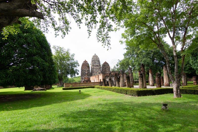 Parque de Wat Si Sawai Sukhothai Historical Sukhothai Tailândia imagem de stock royalty free