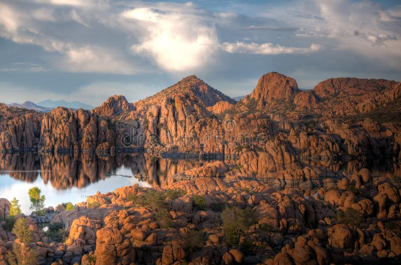 Parque de Watson Lake e os Dells Prescott Arizona do granito fotos de stock royalty free