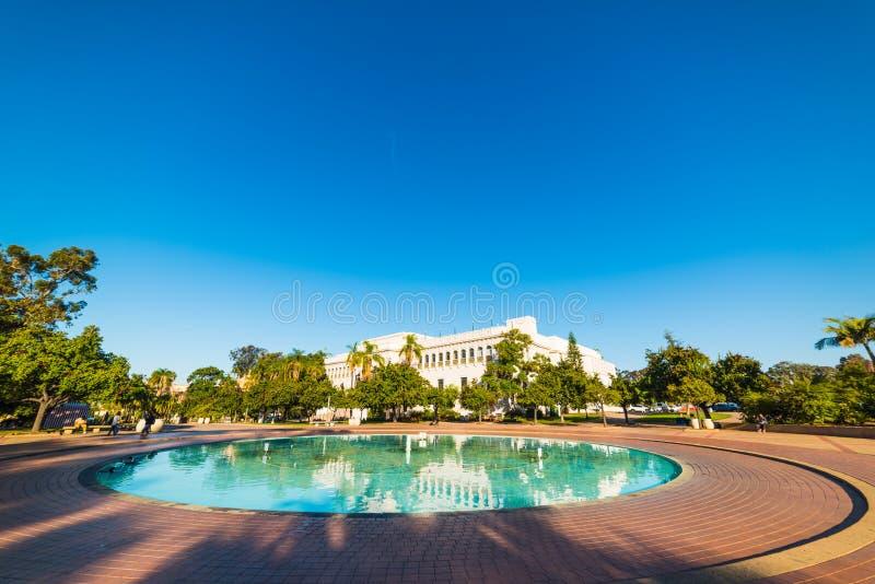 Parque del balboa en un día soleado fotos de archivo