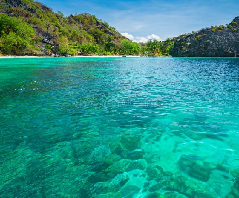 Parque del fondo del punto de vista de la naturaleza del paisaje de Tailandia del cielo azul de la playa del sol del arena de mar fotografía de archivo