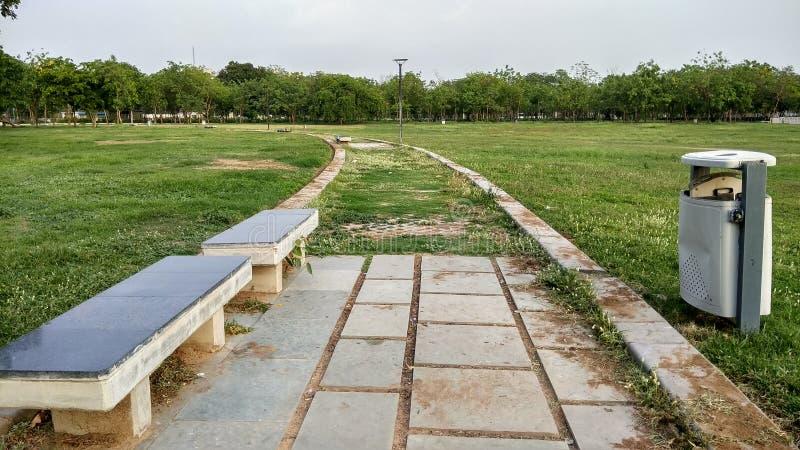 Parque del jard?n p?blico imagenes de archivo