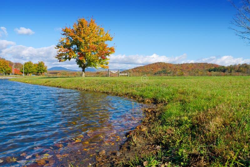 Parque del lago Melton imagen de archivo
