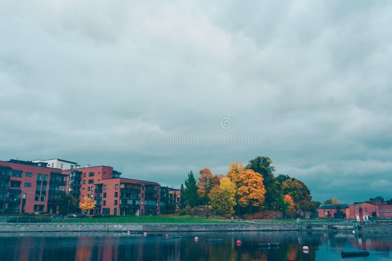 Parque del otoño en Tampere imágenes de archivo libres de regalías