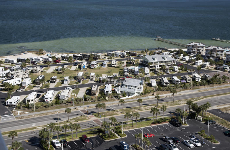 Parque del vehículo recreativo en la costa de la Florida foto de archivo libre de regalías