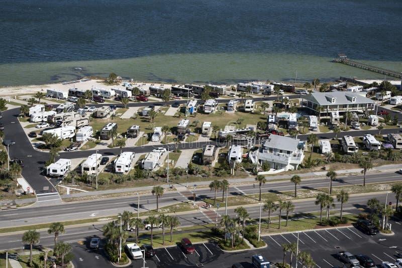 Parque del vehículo recreativo en la costa de la Florida fotografía de archivo libre de regalías