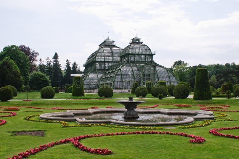 Parque do castelo de Schonbrun fotos de stock