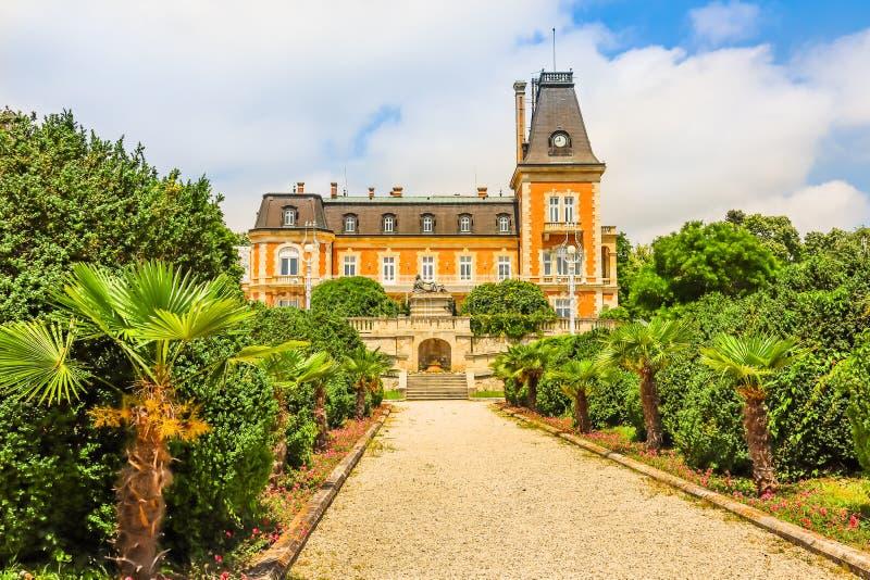 Parque do palácio Euxinograd Varna, Bulg?ria fotos de stock