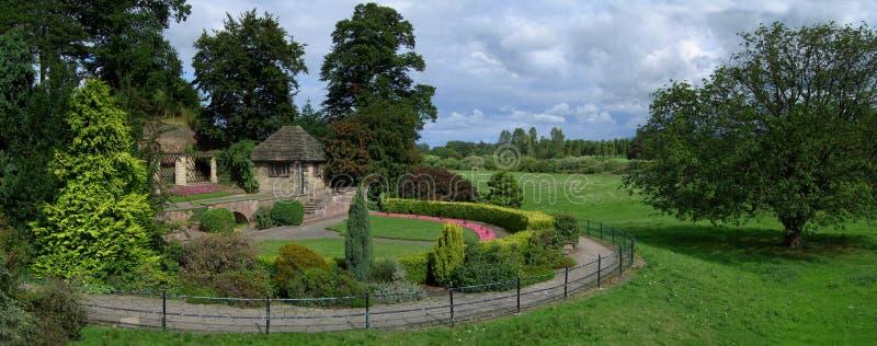 Parque e panorama dos jardins fotografia de stock royalty free