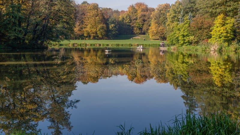 Parque em Pszczyna fotografia de stock
