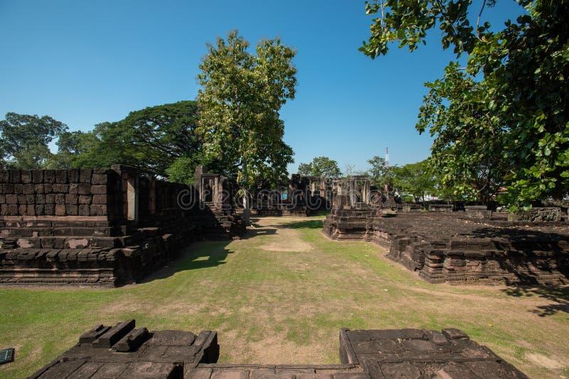 Parque Histórico de Phimai : parque histórico e castelo antigo em Nakhon Ratchasima, Tailândia fotografia de stock royalty free
