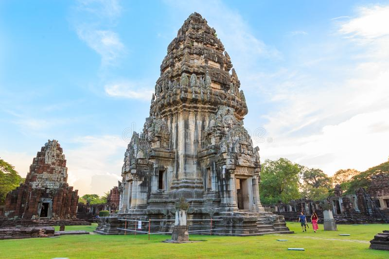 Parque histórico de Phimai, um patrimônio mundial de pedra antigo do castelo em Tailândia foto de stock