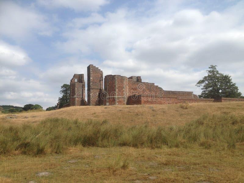 Parque Inglaterra - ruinas de Bradgate de la casa imagen de archivo libre de regalías