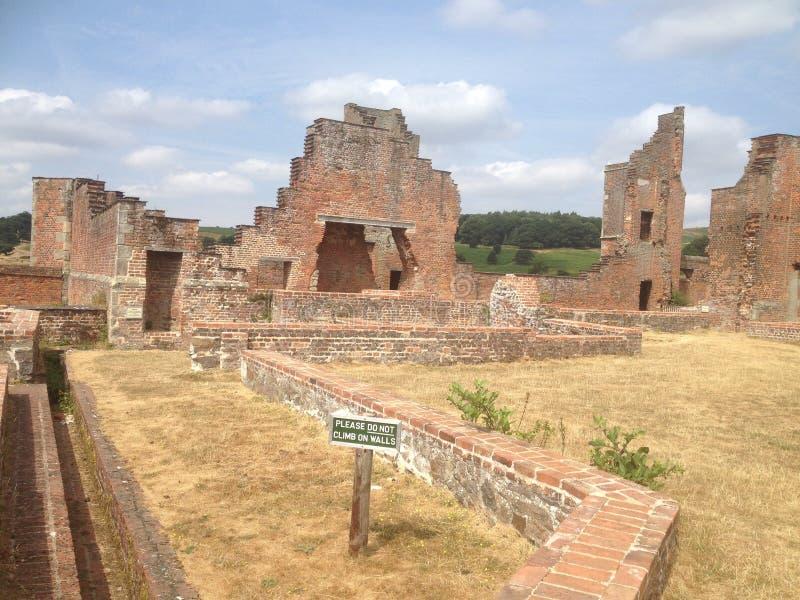 Parque Inglaterra - ruinas de Bradgate de la casa imágenes de archivo libres de regalías
