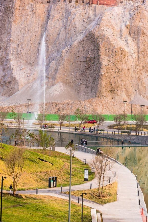 Download Parque La Mexicana, Santa Fe, CDMX Redaktionell Arkivfoto - Bild av santa, solnedgång: 106833583