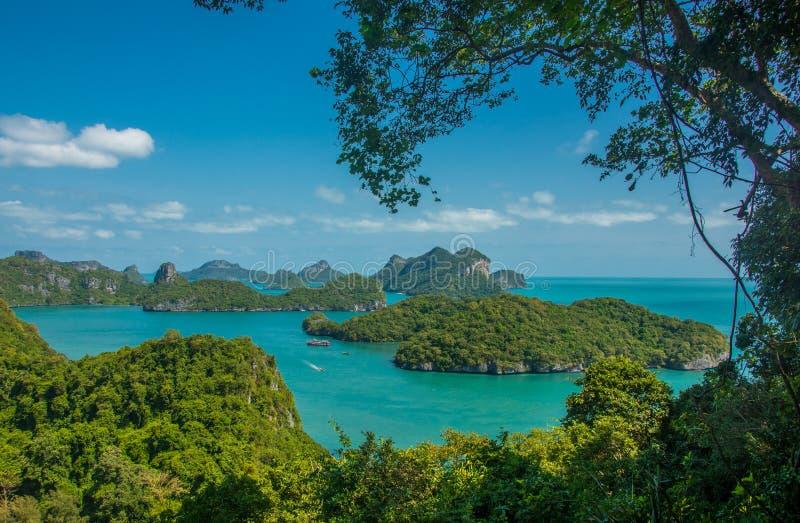 Parque marino nacional de Angthong y mucho isla escénica en Ko Samui, Tailandia fotografía de archivo