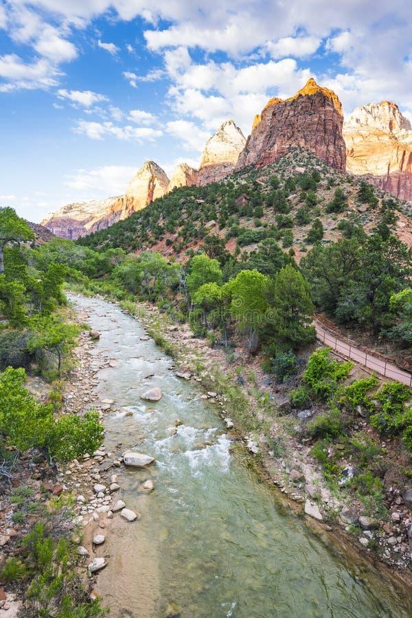 Parque nacional bonito no dia ensolarado, Utá de Zion, EUA fotos de stock