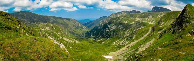 Parque nacional da montanha de Rila em Bulgária foto de stock royalty free