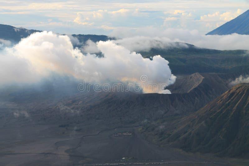 Parque nacional de Bromo da montagem na manhã fotos de stock