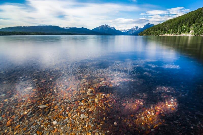 Parque nacional de geleira de McDonald do lago imagem de stock royalty free