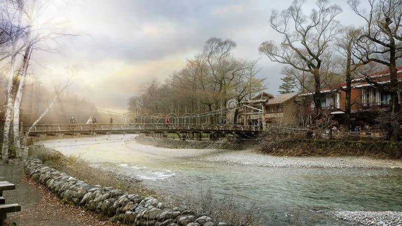 Parque nacional de Kamikochi en las montañas septentrionales de Japón de la prefectura de Nagano, Japón Montaña hermosa en hoja d fotografía de archivo
