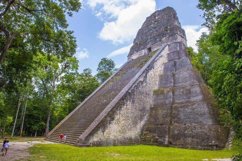 Parque nacional de Tikal imagenes de archivo