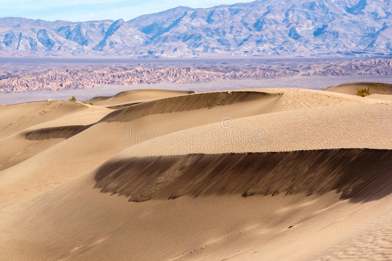 Parque nacional de Vale da Morte, dunas do Mesquite fotografia de stock
