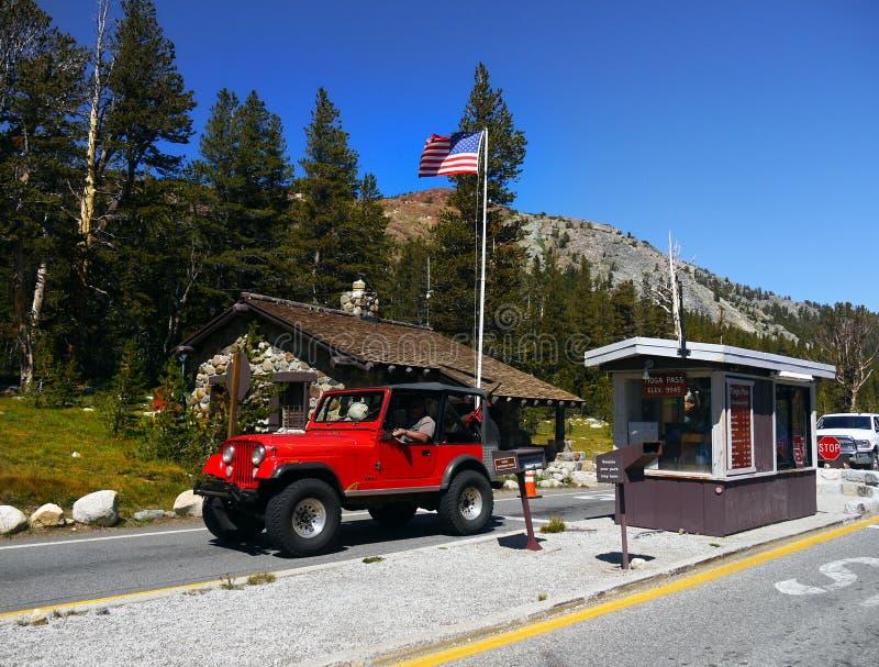 Parque nacional de Yosemite da estrada da passagem de Tioga, Califórnia fotos de stock royalty free