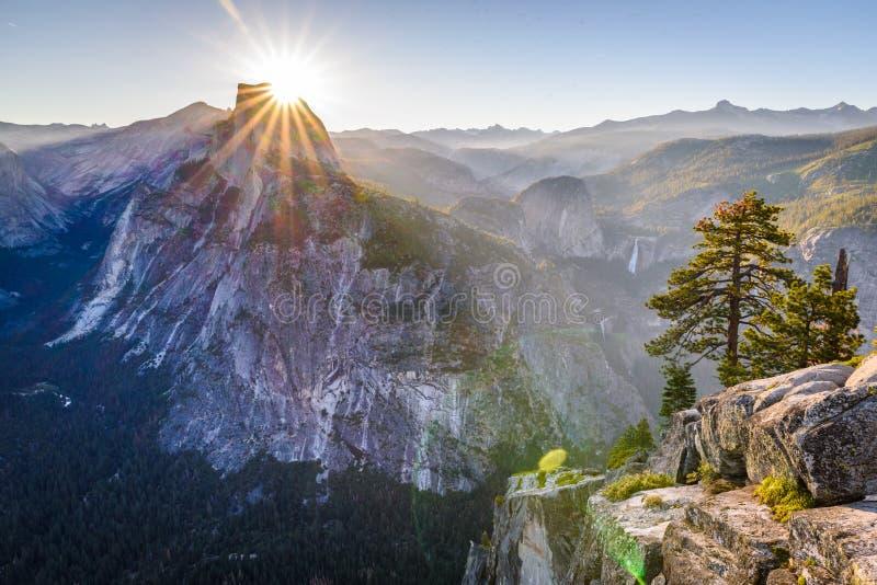 Parque nacional de Yosemite: Ponto da geleira foto de stock