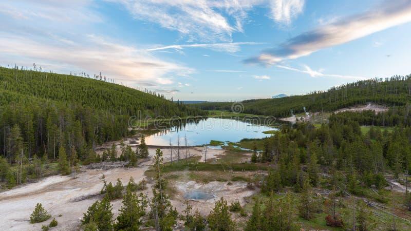 Parque nacional del lago nymph, Yellowstone fotografía de archivo
