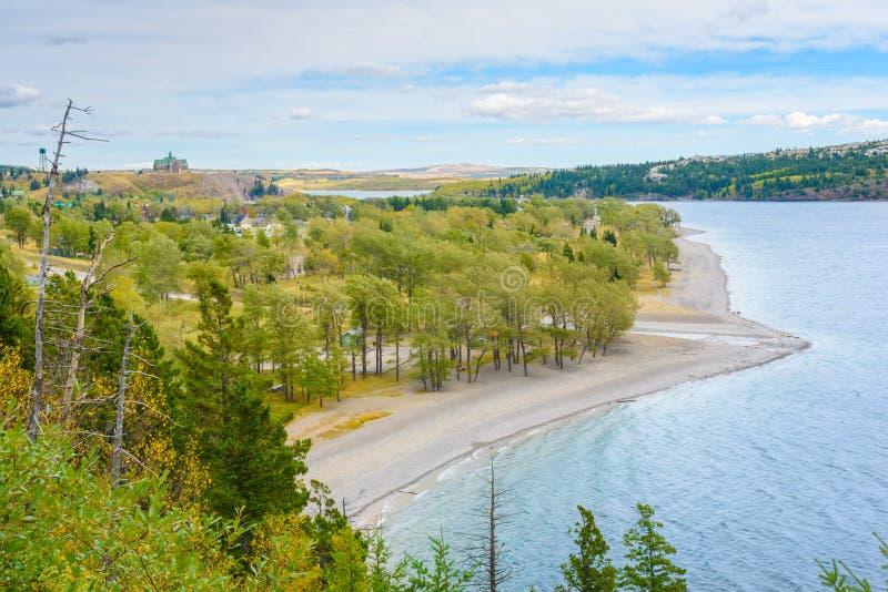 Parque nacional dos lagos Waterton em Canadá imagens de stock royalty free