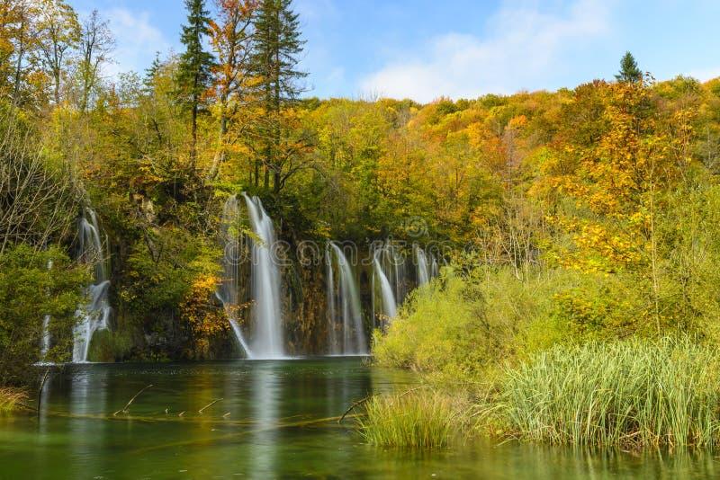 Parque nacional en otoño, Croacia de los lagos Plitvice fotos de archivo libres de regalías